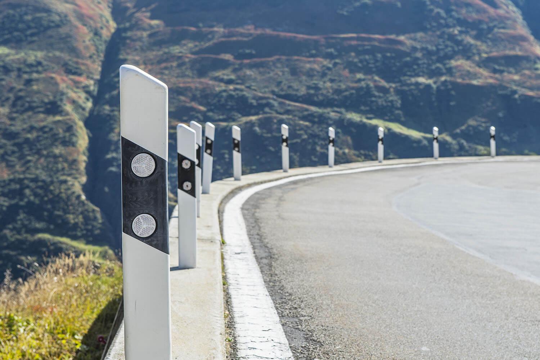 Road reflectors