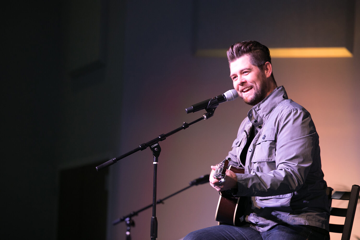 Jason Crabb leading worship at Friends Sharing Friends.